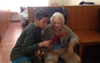 programas intergeneracionales ebtre jívenes y residentes de la residencia